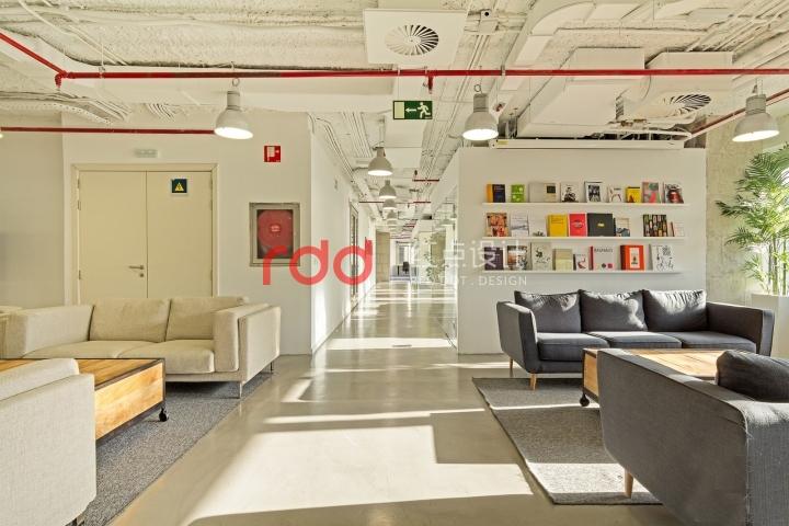 荣尔服饰公司办公室装修设计